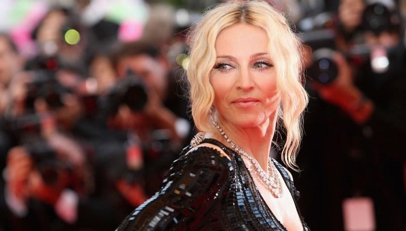 Madonna  pozuje w łazience. Co za ciało!