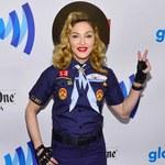 Madonna protestuje jako harcerz