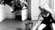Madonna szoruje podłogę. Zobacz!