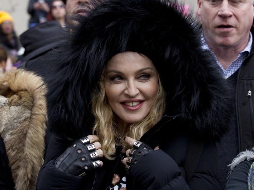 Madonna uwielbia długie, ziołowe kąpiele /East News