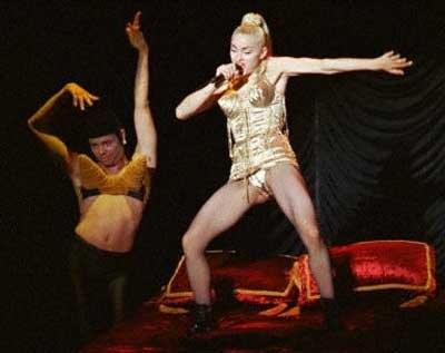 Madonna w jednym ze swoich słynnch kostiumów /AFP