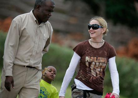 Madonna z Davidem Bandą podczas obecnej wizyty w Malawi fot.Michelly Rall /Getty Images/Flash Press Media