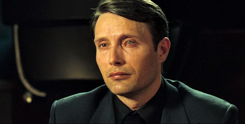 """Mads Mikkelsen jako Le Chiffre w """"Casino Royale"""" /materiały dystrybutora"""