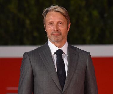"""Mads Mikkelsen o """"Hannibalu"""": """"Homoerotyczne"""" napięcie"""