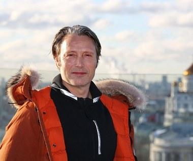 Mads Mikkelsen skomentował fakt, że zastąpi Johnny'ego Deppa