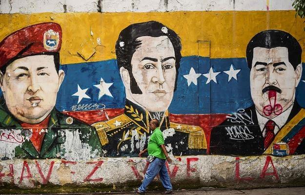 Maduro odgraża się za bezprecedensowe sankcje /AFP