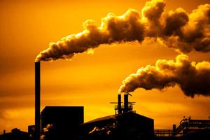 MAE: Stężenie CO2 w atmosferze znów szybko rośnie