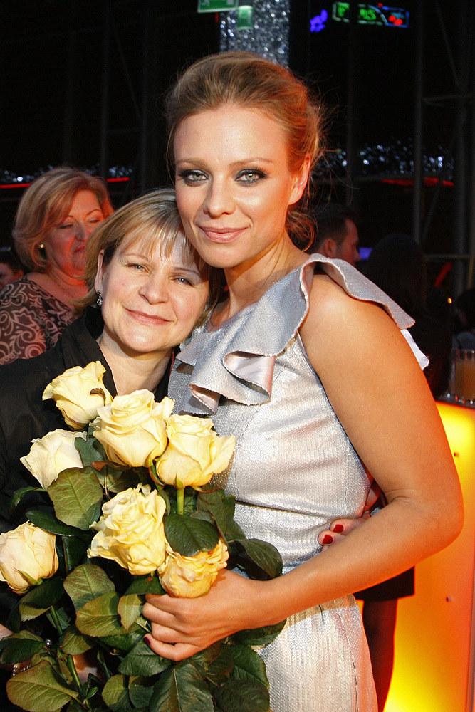 Magda Boczarska z mamą Elżbietą, z zawodu pielęgniarką /AKPA