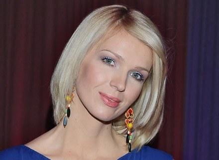Magda Mołek wymodelowała twarz za pomocą bronzera, fot. Andras Szilagyi /MWMedia