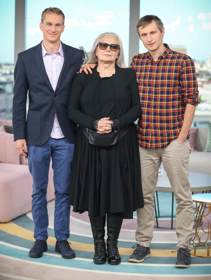 Magda Umer z synami Mateuszem i Franciszkiem /Kamil Piklikiewicz /East News