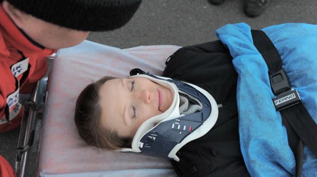Magda zginie w wypadku spowodowanym przez Kazika. /Agencja W. Impact