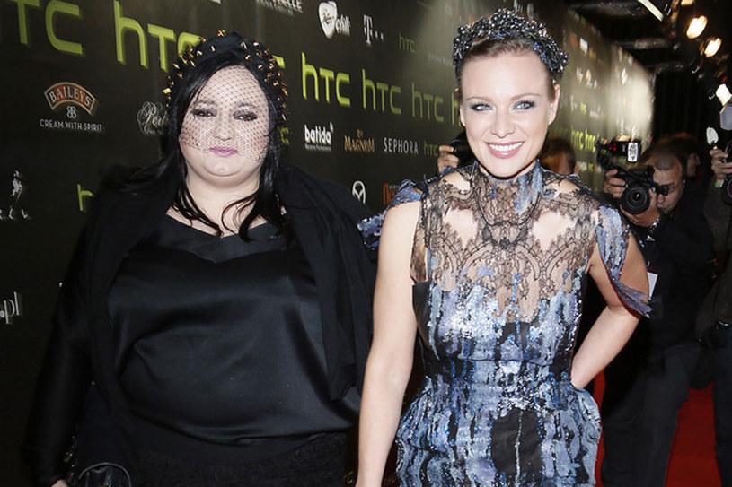 Magdalena Boczarska zachwyciła czarno-niebieską koronkową sukienkę z kolekcji z 2012 r. /Baranowski /AKPA