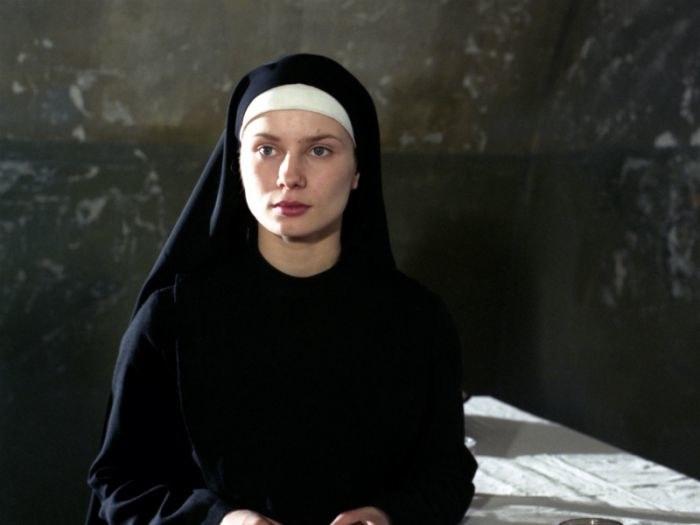 """Magdalena Cielecka w filmie """"Pokuszenie"""" (1995) /materiały prasowe"""