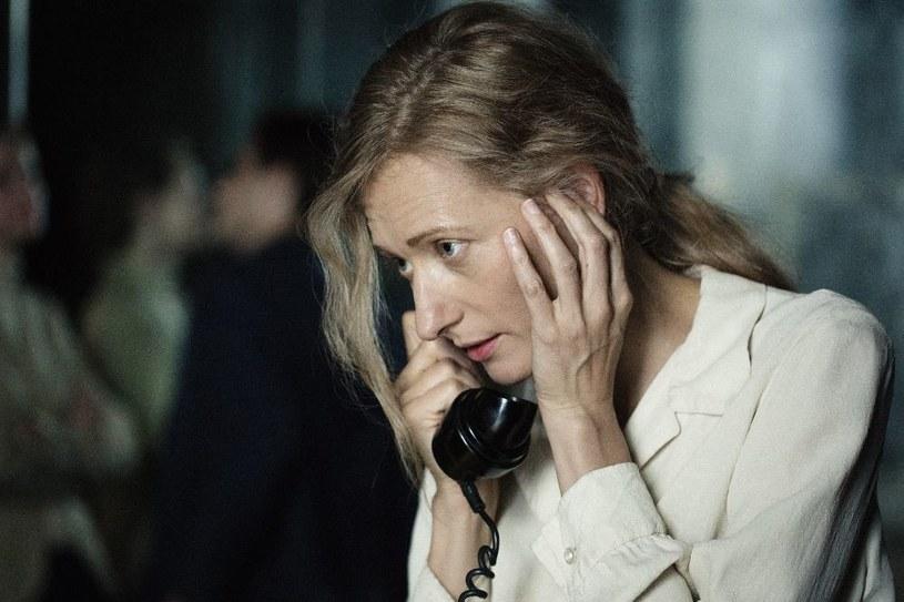 Magdalena Popławska jako Agnieszka Osiecka /Mirosław Sosnowski /TVP