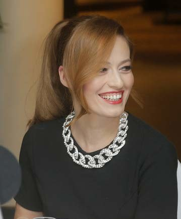 Magdalena Różczka (35) jest lubiana za swoją naturalność. Prosta, dziewczęca fryzura pasuje do jej stylu. /Baranowski /AKPA