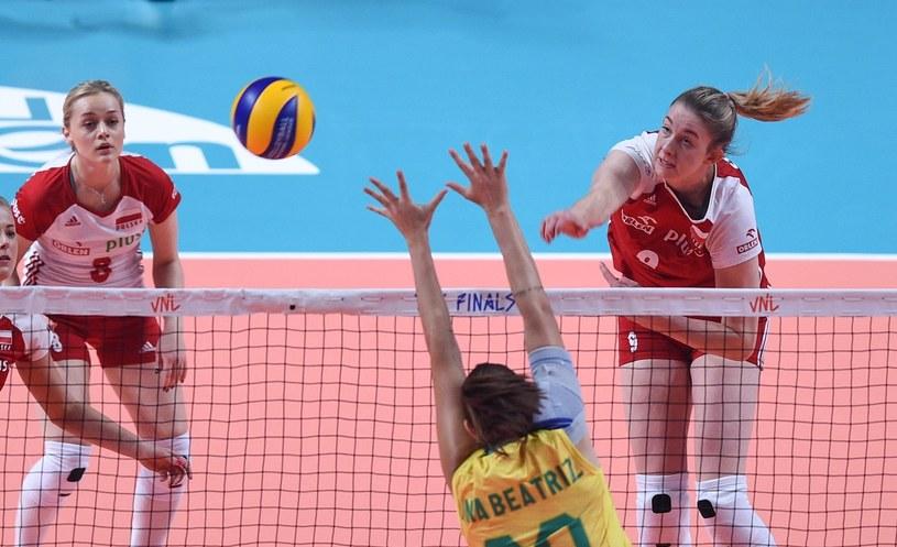 Magdalena Stysiak (z prawej) w ataku /East News