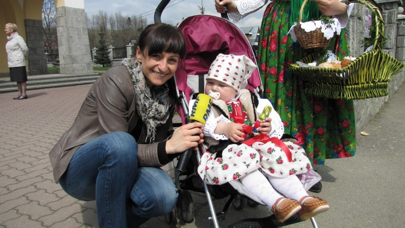 Magdalena Wojtoń z malutką mieszkanką Białego Dunajca /Józef Polewka /RMF FM