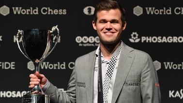 Magnus Carlsen - szachowy mistrz świata, który uwielbia piłkę nożną