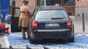 Maja Hyży parkuje na miejscu dla niepełnosprawnych. Coś jej dolega?