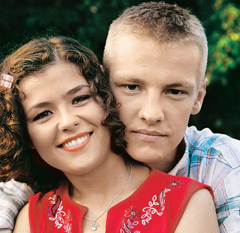 Mając kilkanaście lat, Piotr zakochał się w swojej przyszłej żonie (Katarzyna Cichopek) /Tele Tydzień