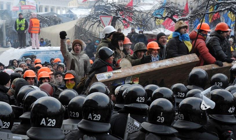 Majdan odbudował i wzmocnił barykady. /AFP