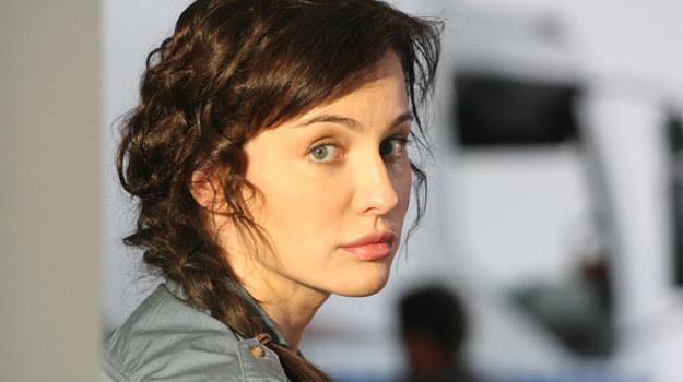 Maję Hirsch znamy z wielu ról, głównie silnych, zdecydowanych kobiet. Może czas na bardziej romantyczne bohaterki? /Polsat
