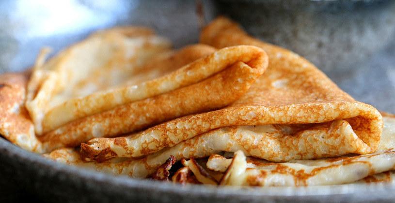 Mąka typ 500, zwana wrocławską, idealnie nadaje się na ciasta drożdżowe, francuskie, półfrancuskie oraz na naleśniki. /123RF/PICSEL