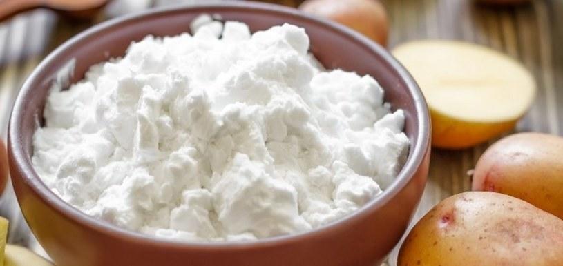 Mąka wchłonie tłuszcz /©123RF/PICSEL