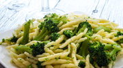 Makaron śmietankowy z brokułem