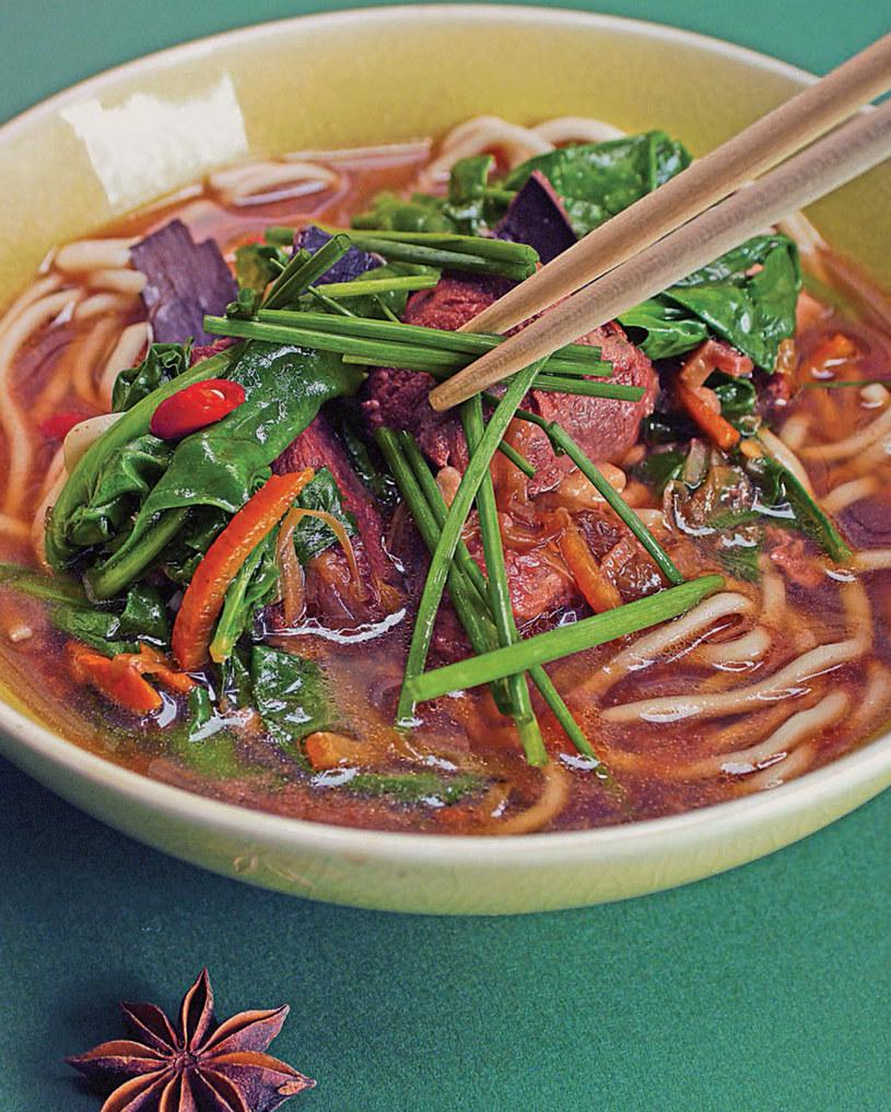Makaron w ostrej zupie z wołowiną /materiały prasowe