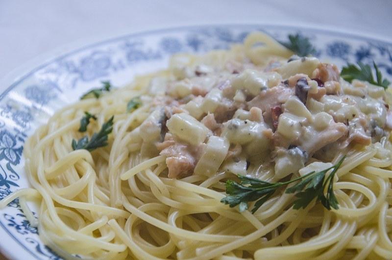 Makaron z gruszkami, łososiem i gorgonzolą /Malwina Zaborowska /RMF FM