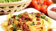 Makaron z suszonymi pomidorami i rukolą