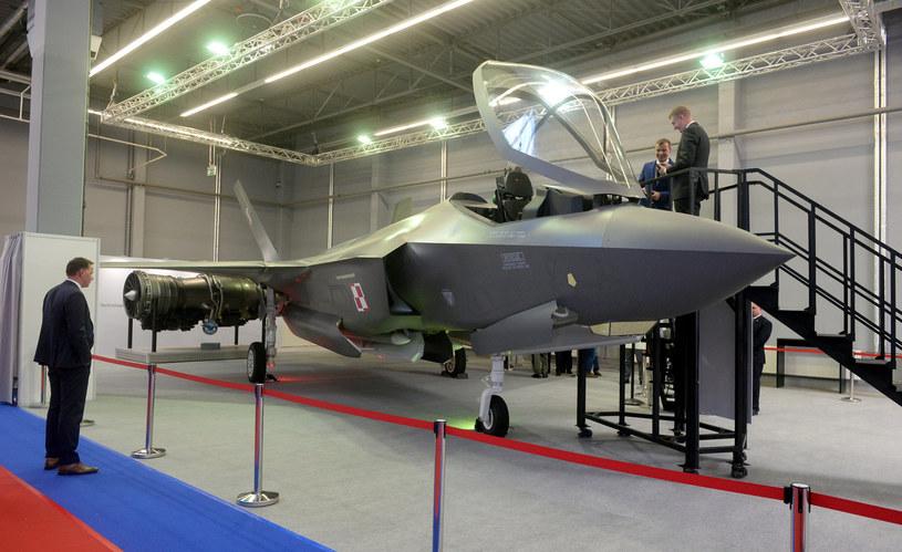 Makieta F-35 Lightning II - amerykańskiego jednomiejscowego, jednosilnikowego myśliwca wielozadaniowego piątej generacji /Jan Bielecki /East News