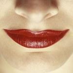 Makijaż korygujący usta