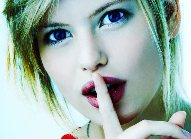 Makijaż może zakamuflować wiele niedoskonałości /© Panthermedia