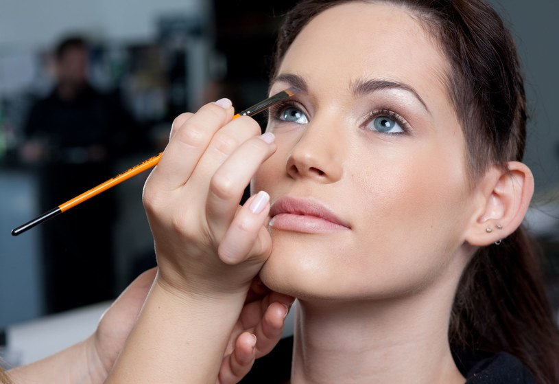 Makijaż wykonany przez profesjonalistę /123RF/PICSEL