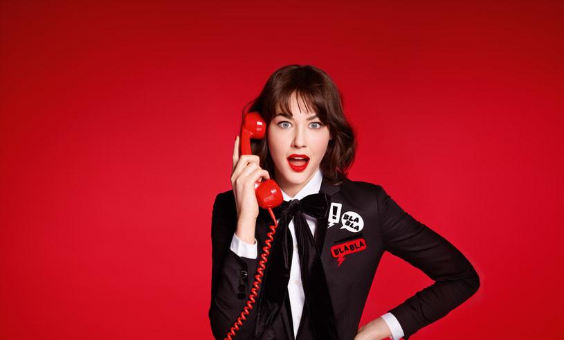 Makijaż z Rouge Velvet The Lipstick, Bourjois /materiały prasowe