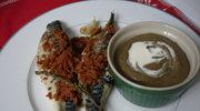 Makrele pod piernikowym crumble, krem z zielonej soczewicy