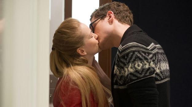 Maks i Kamila wylądują w łóżku! /x-news/ Radek Orzeł /TVN