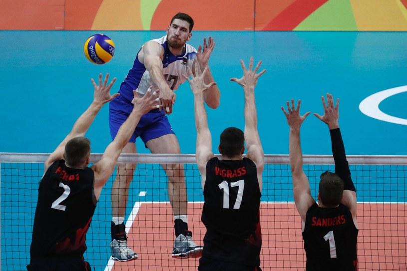 Maksim Michajłow w meczu z Kanadą /AFP