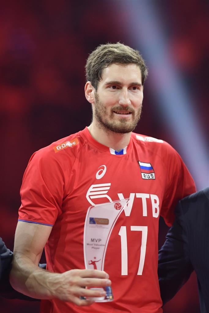 Maksim Michajłow z nagrodą dla najlepszego zawodnika mistrzostw Europy w Polsce /www.cev.eu