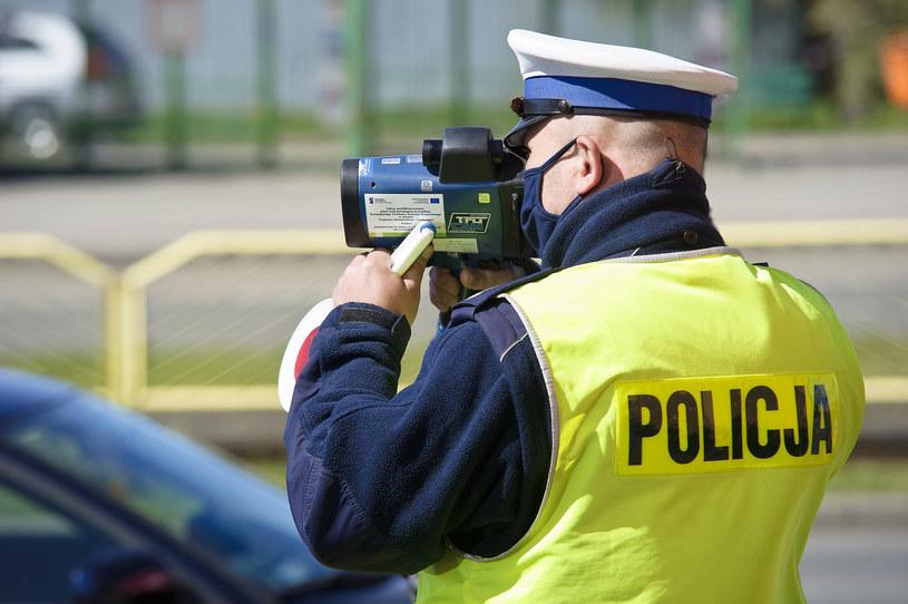 Maksymalny mandat za wykroczenie drogowe ma wynieść 5 tys. zł /Stanislaw Bielski /Reporter
