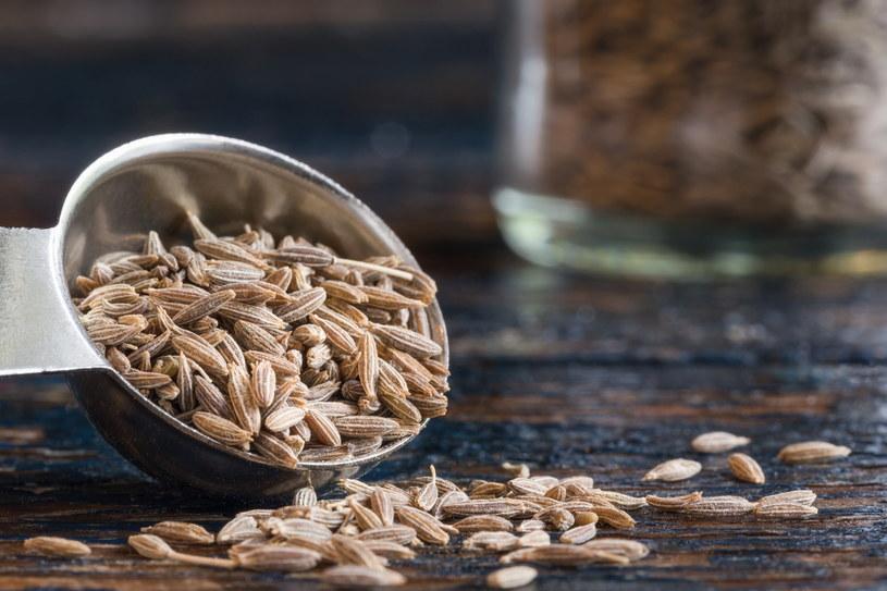 Mała garść kminku dodana do potrawy pomoże zadbać o prawidłowe trawienie /123RF/PICSEL