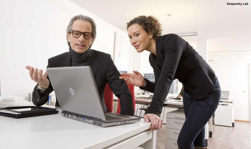 """Małe firmy mogą łatwo stać się """"słabym ogniwem"""" w systemie bezpieczeństwa informatycznego. /materiały prasowe"""
