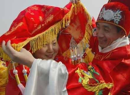 Małe stopy umożliwiały Chinkom dobre zamążpójście i awans społeczny /Getty Images/Flash Press Media