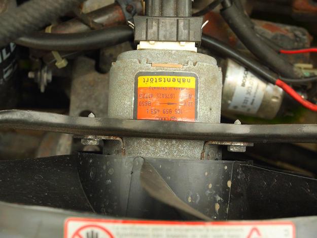 Małe usterki, jak zepsuty włącznik wentylatora, prowadzą do poważnych awarii. /Motor