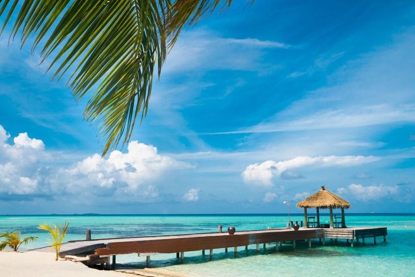 Malediwy, Filipiny, Malezja... Biały piasek, turkusowe morze /123RF/PICSEL