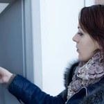 Maleje liczba bankomatów
