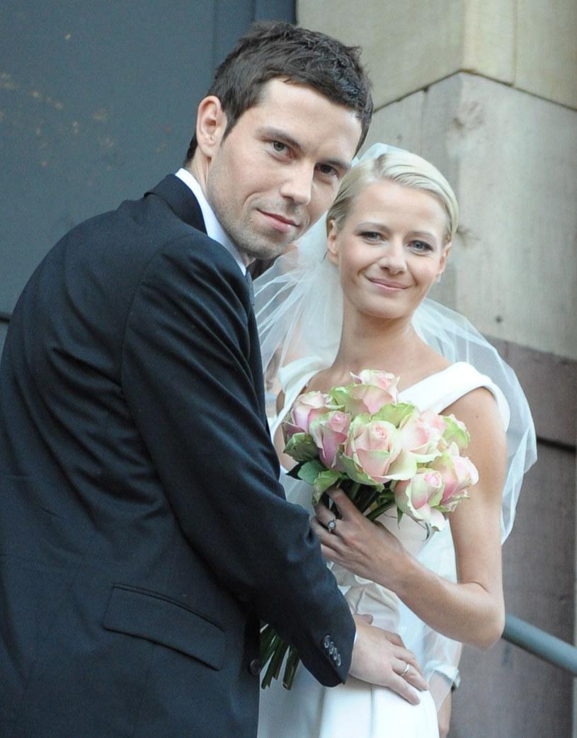 Małgorzata i Bartek w dniu ślubu /Mateusz Jagielski /East News