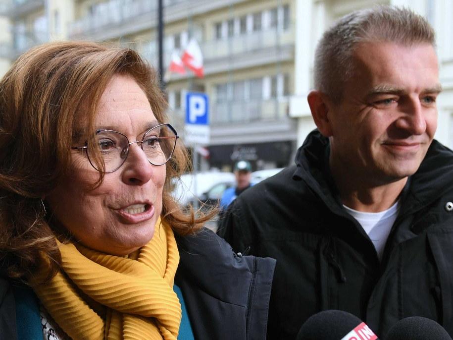 Małgorzata Kidawa-Błońska i Bartosz Arłukowicz w drodze na posiedzenie zarządu PO / Radek Pietruszka   /PAP